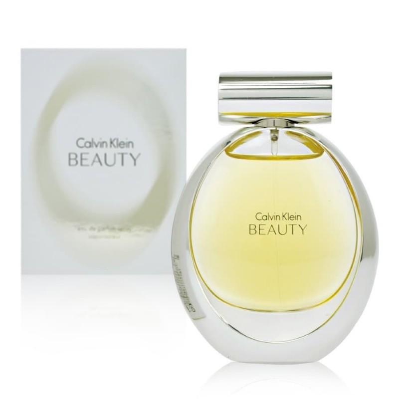 Beauty Calvin Klein, EDP, un aroma floral para una mujer fascinante.