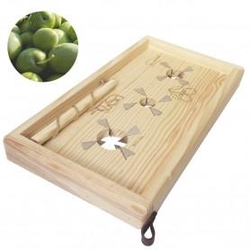 Tabla artesanal de rayado (rajado) de aceitunas de mesa