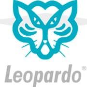 Leopardo, cepilllos, escobas y accesorios de limpieza.